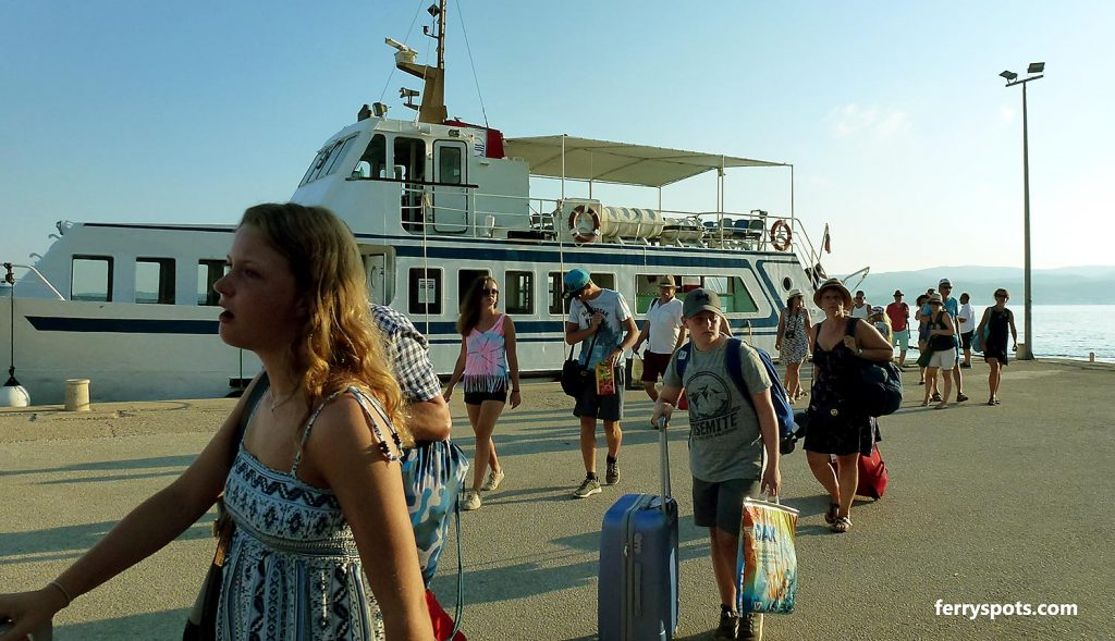 Ferry Travel Tips and FAQ - Ferry Spots